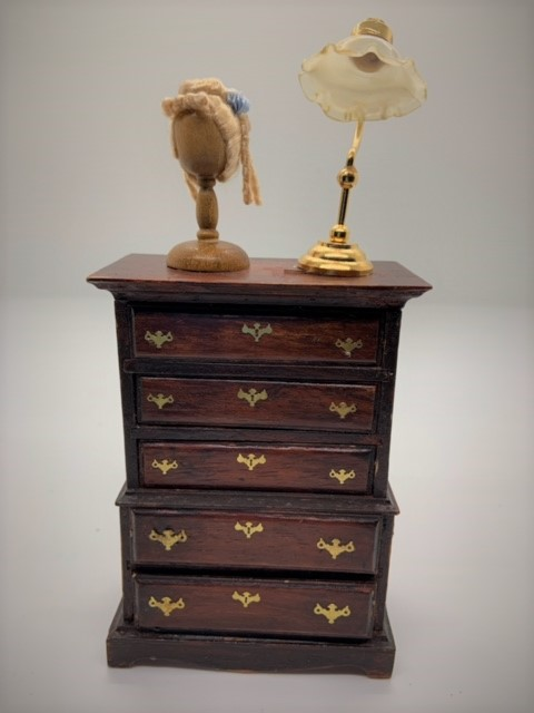 the house of miniatures dress with wigstand and lamp