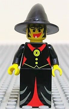 Willa the Witch minifigure