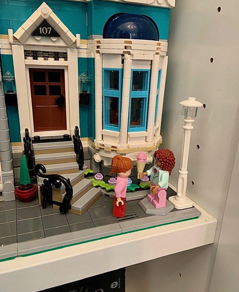 Lego Bookshop girls with ice cream