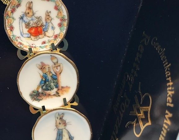 Reutter Porzellan plate set